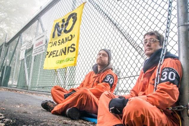 greenpeace-at-km-gates